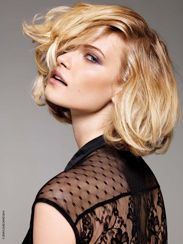 Miękkie blond loki