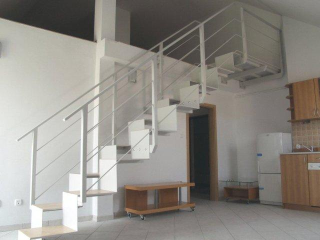 Nowoczesne schody Hostal - Zdjęcie 1