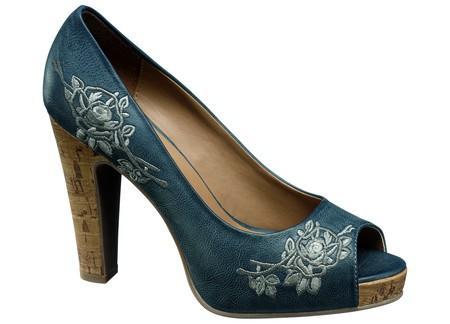 niebieskie pantofle Deichmann na obcasie - wiosna 2011