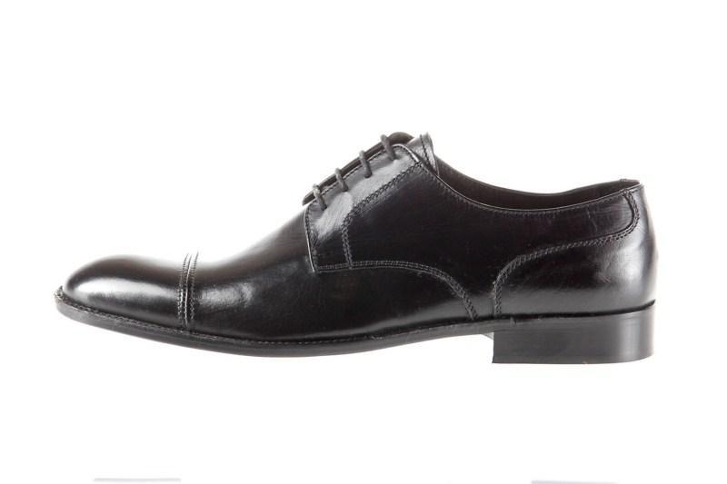 czarne półbuty Prima Moda - z kolekcji wiosna-lato 2011