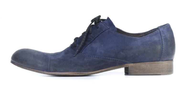 niebieskie pantofle Ryłko z zamszu - moda 2011
