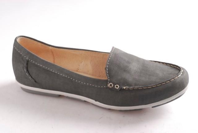 popielate pantofle Ryłko - wiosna-lato 2011