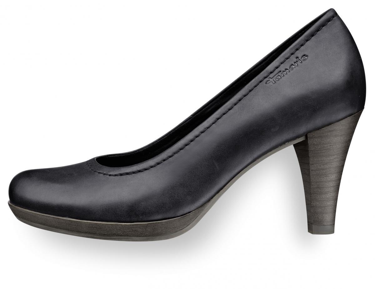 czarne pantofle Tamaris - wiosna 2011
