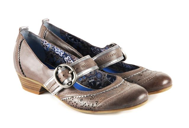 brązowe pantofle Venezia - moda 2011