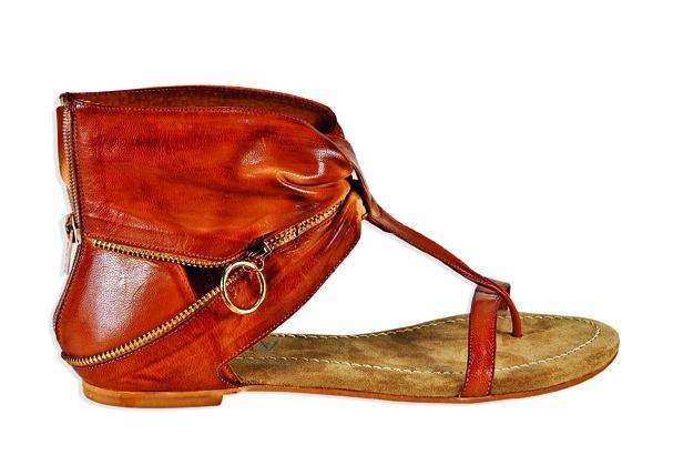 czerwone sandały Venezia - moda 2011