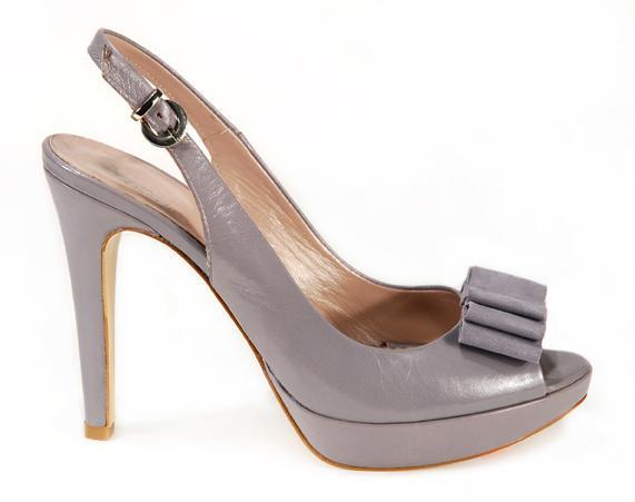 fioletowe pantofle Venezia z kokardą na platformie - moda 2011