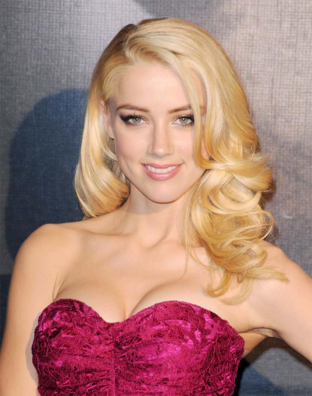 włosy, fale, hollywood, modna fryzura, swieta, gwiazdka, boze narodzenie, Sylwester, Nowy rok, fryzura, Amber Heard