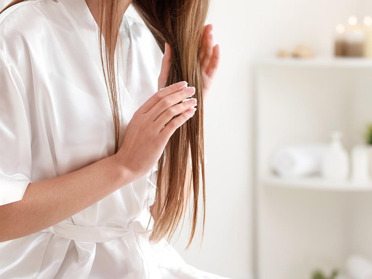 jak stosować olej lniany na włosy