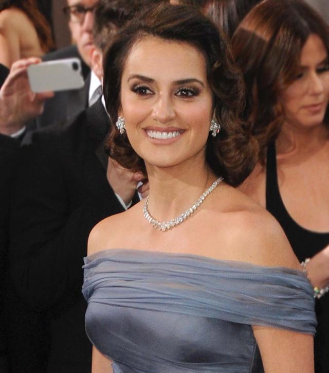 Penelope Cruz, Oscary 2012, makijaże i fryzury gwiazd