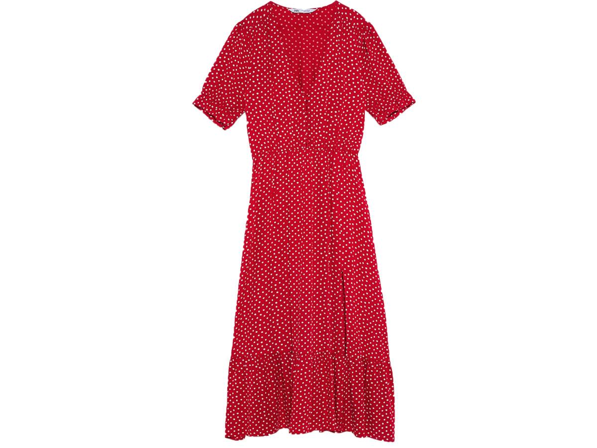 Czerwona sukienka w groszki, Zara, cena ok. 199,00 zł