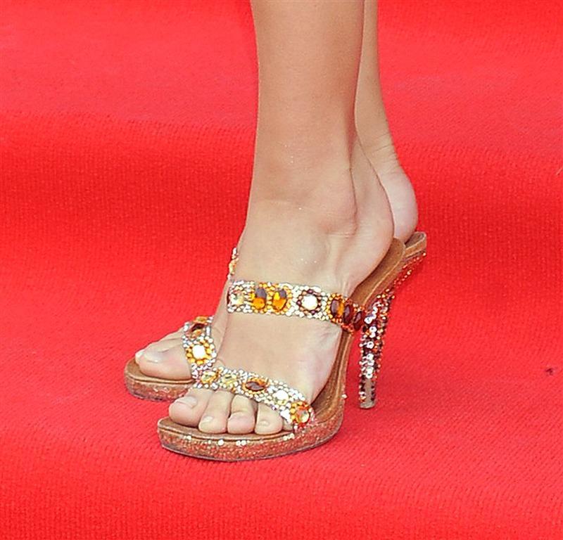 Pantofle, kozaczki, szpilki... Gwiazdorskie obuwie - zdjęcie