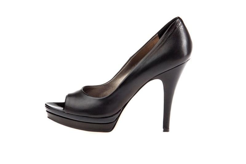 czarne pantofle Prima Moda na wysokim obcasie - wiosna 2011