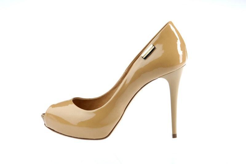 beżowe pantofle Prima Moda na wysokim obcasie - wiosna 2011