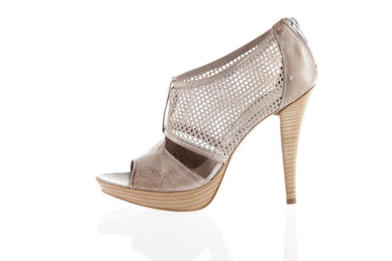 pantofle Prima Moda na wysokim obcasie - wiosna 2011