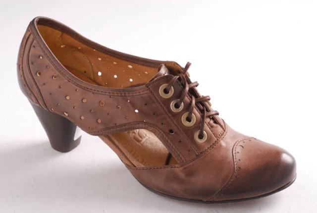 brązowe pantofle Ryłko - moda 2011