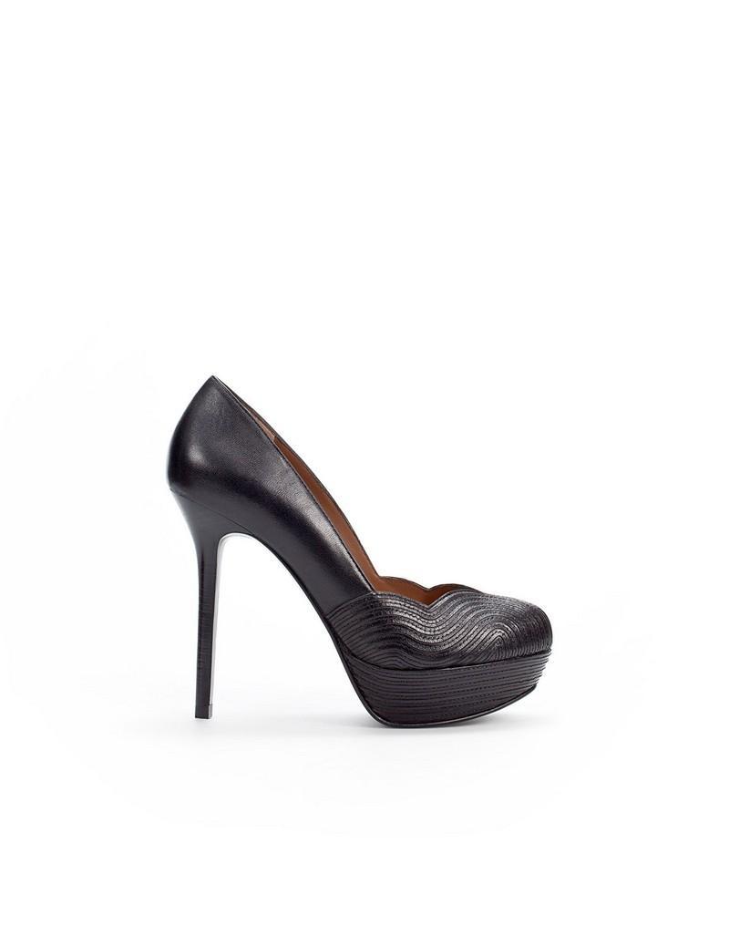 czarne pantofle ZARA na wysokim obcasie - moda 2011