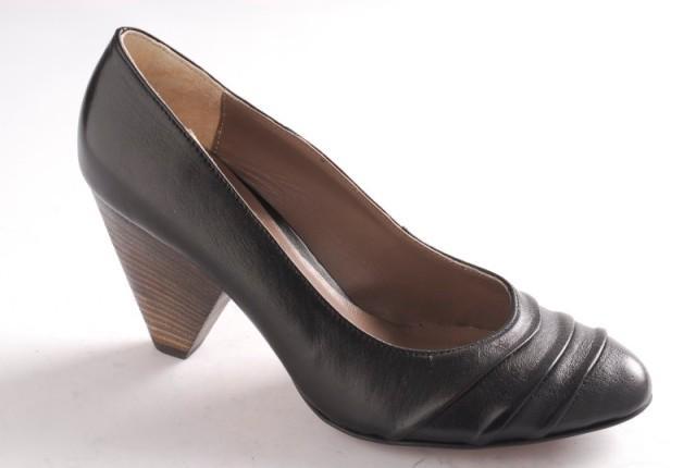 czarne pantofle Ryłko - wiosna/lato 2011