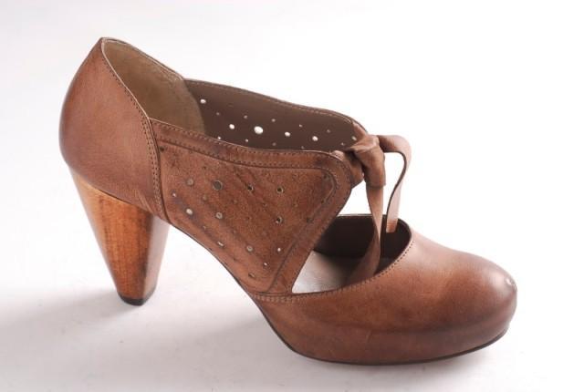 bordowe pantofle Ryłko - wiosna/lato 2011