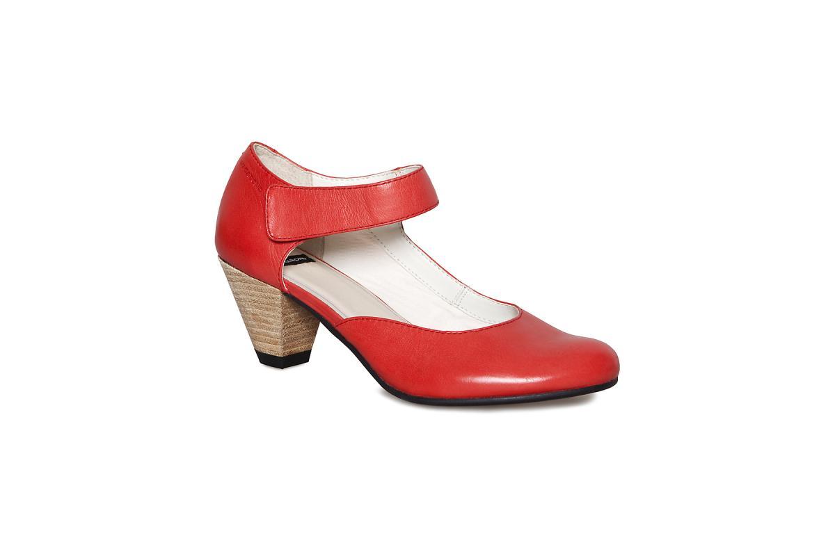 czerwone pantofle Vagabond - moda 2010
