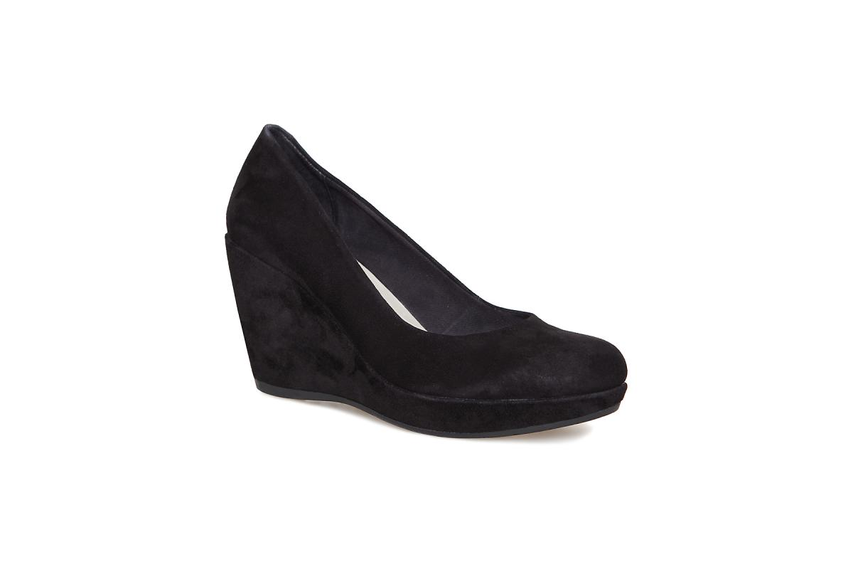 czarne pantofle Vagabond na koturnie - wiosna 2011