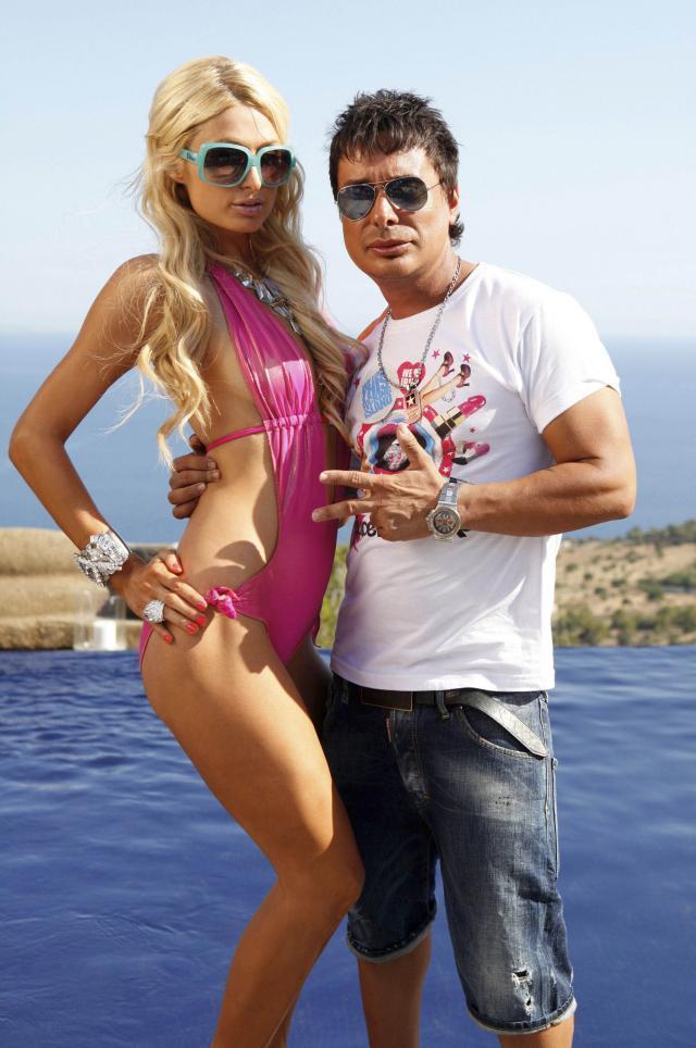 Paris Hilton imprezuje na Ibizie w towarzystwie Dj Nano Barea