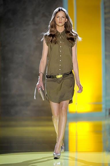 khaki sukienka Patrizia Pepe - wiosna/lato 2011