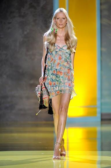 kolorowa sukienka Patrizia Pepe na ramiączkach - wiosna/lato 2011