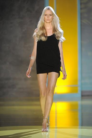 czarna sukienka Patrizia Pepe - z kolekcji wiosna-lato 2011