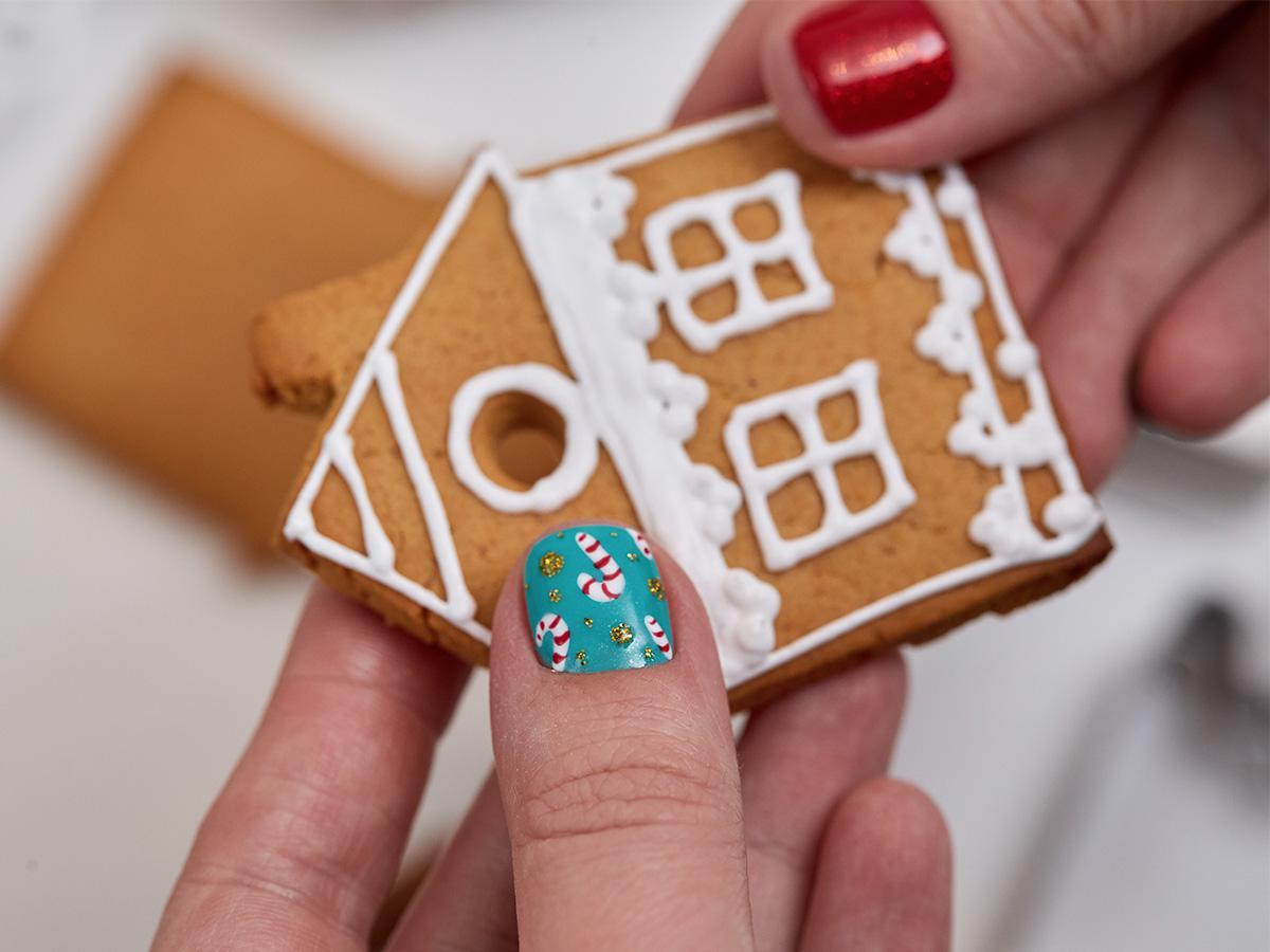 wzorki świąteczne na paznokciach