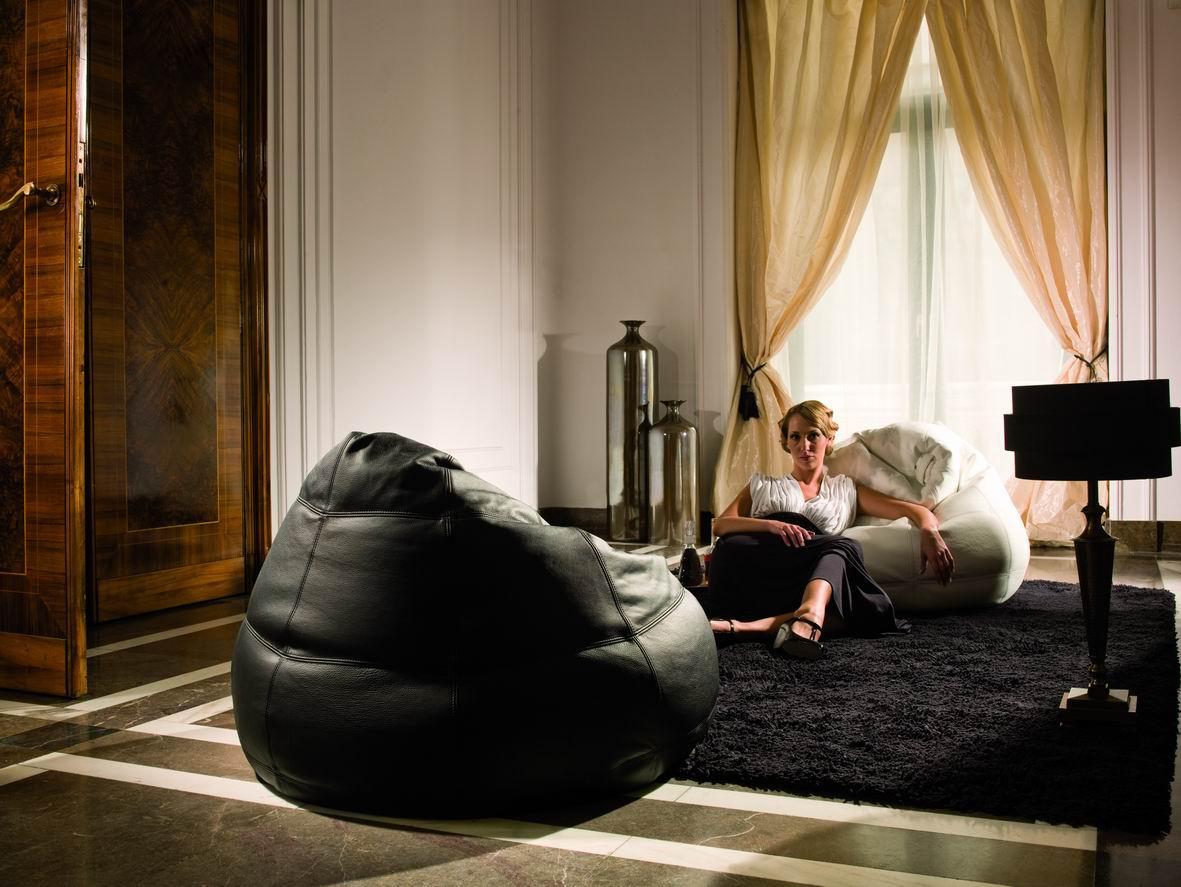 Piękny salon z meblami Kler - Zdjęcie 16