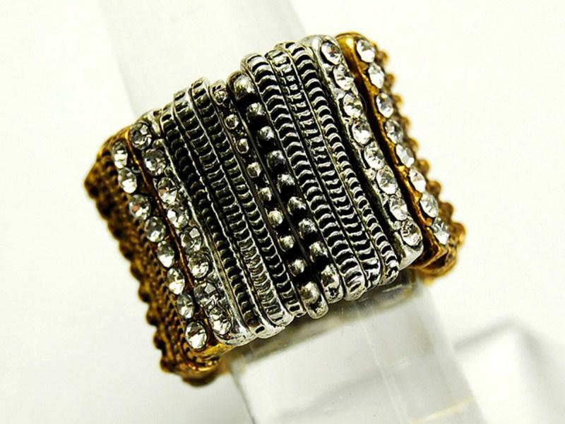 pierścionek Me'amoore - jesień/zima 2010/2011