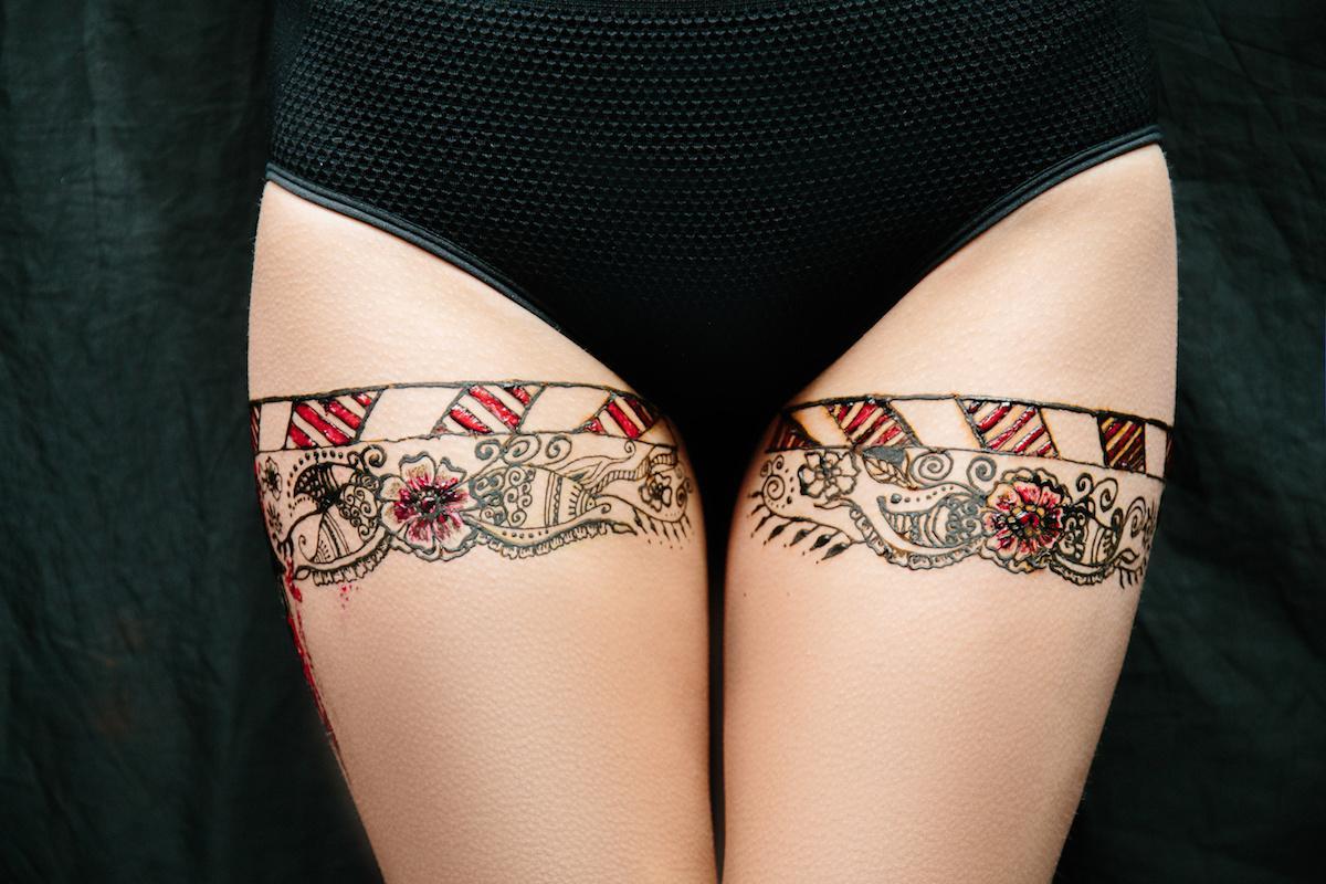 wzór tatuażu na udach