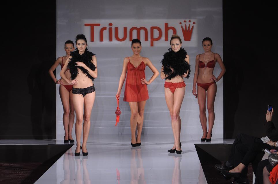 TRIUMPH, pokaz mody, kolekcje jesień/zima 2010/2011, bielizna