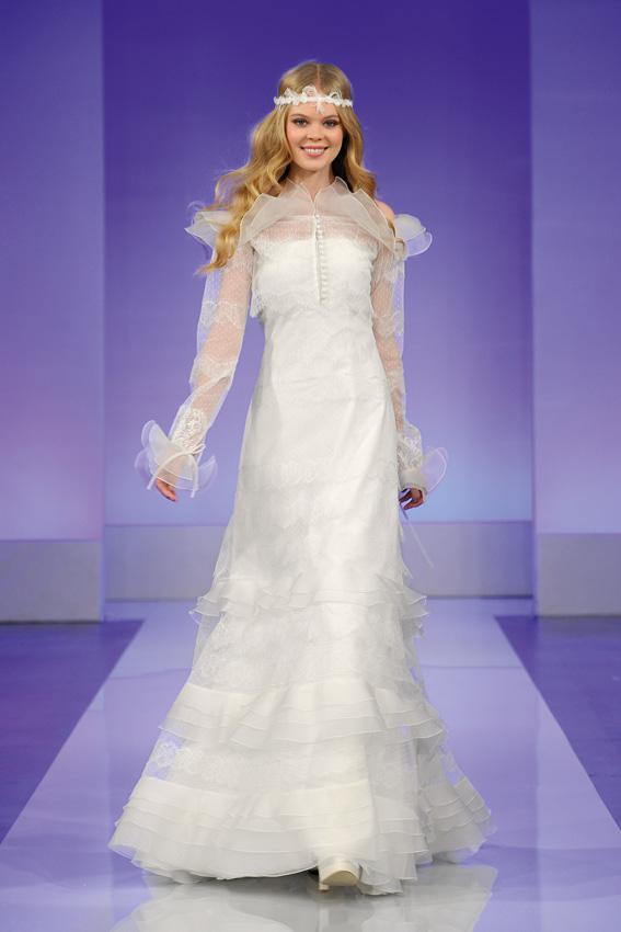 Cymbeline 2013 - pokaz kolekcji sukni ślubnych. Gisele