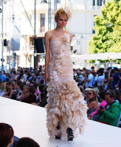 Pokaz filmowych sukienek Mility Nikonorov - galeria