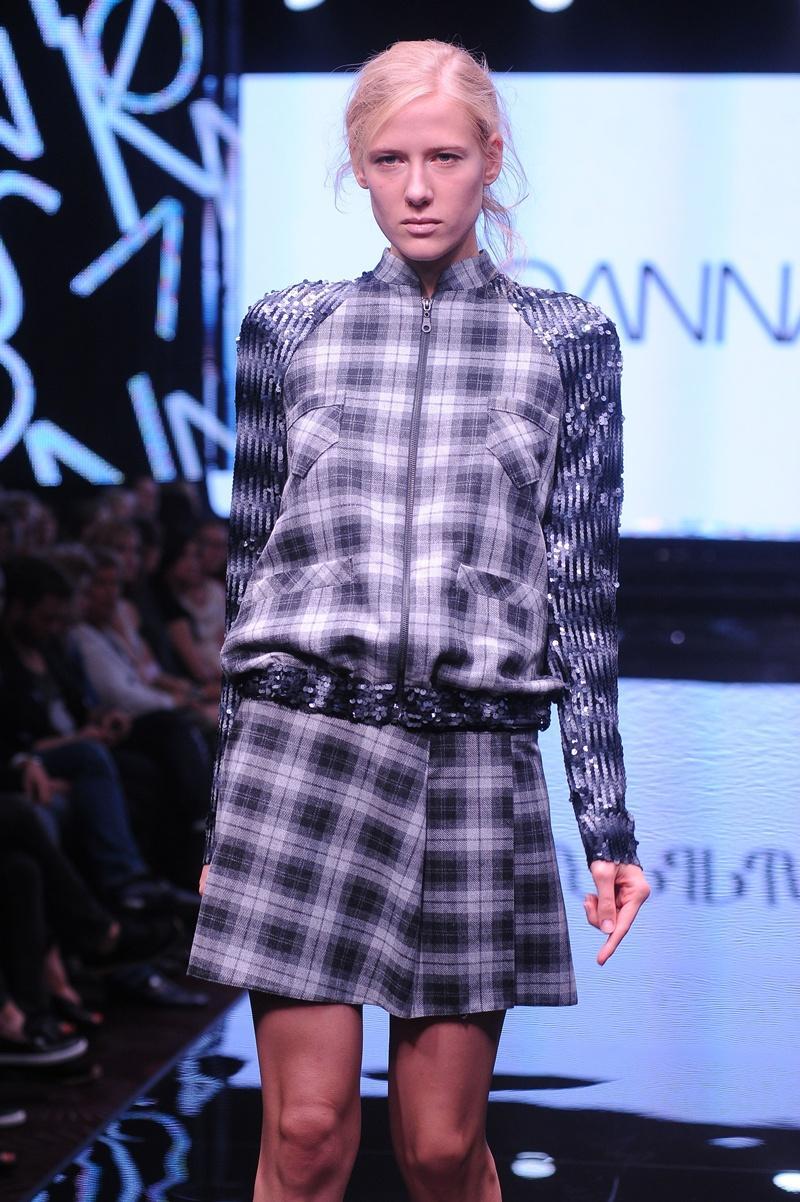 kurtka Joanna Klimas w kratkę - moda dla kobiet