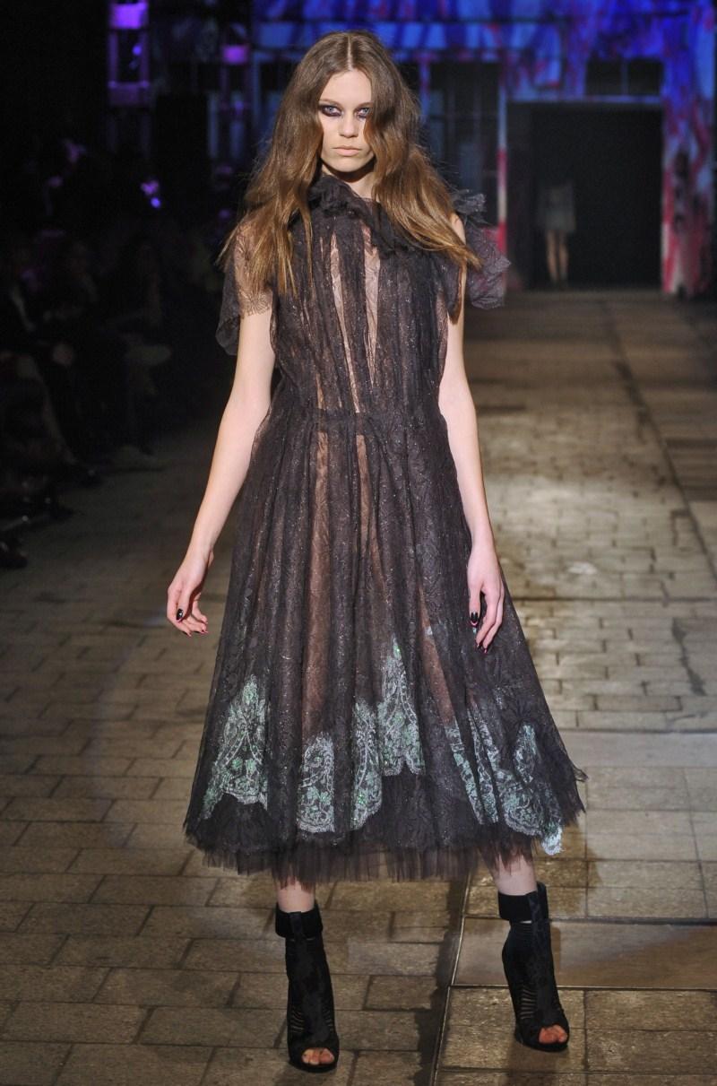 czarna sukienka Gosia Baczyńska