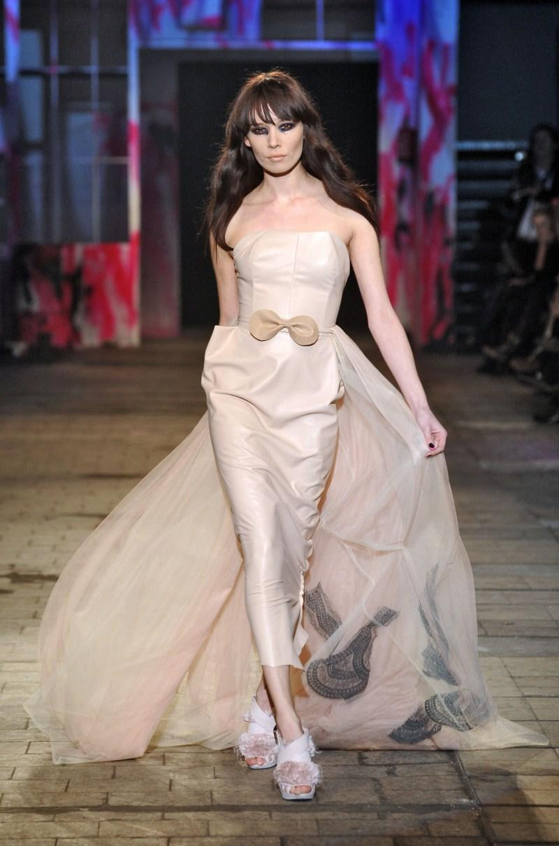 ecru sukienka Gosia Baczyńska