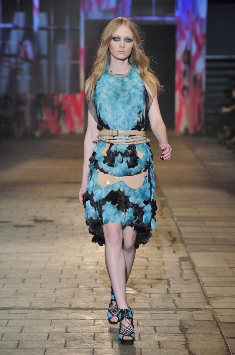 niebieska sukienka Gosia Baczyńska