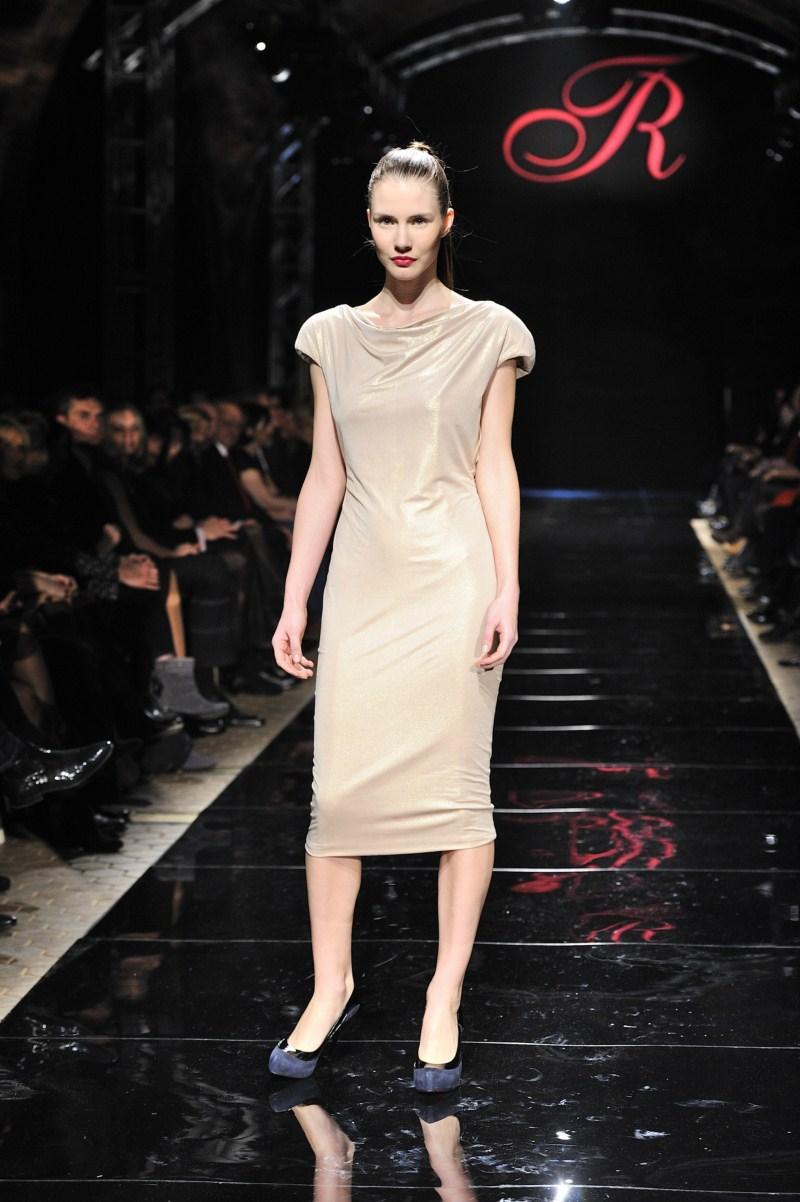 ecru sukienka Teresa Rosati