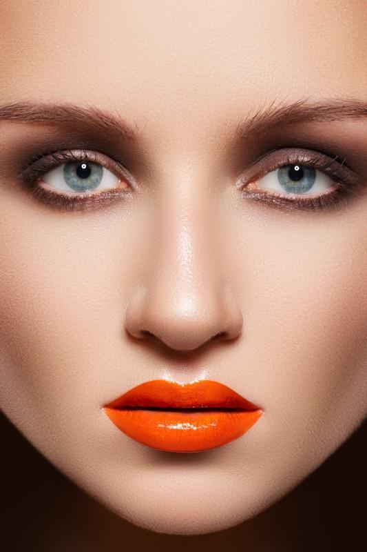 Pomarańczowy makijaż