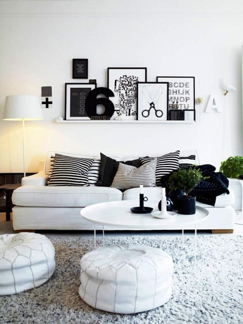 Minimalistyczny, czarno-biały salon