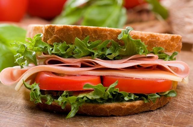 kanapka, jedzenie/ fot. Dreamsteam