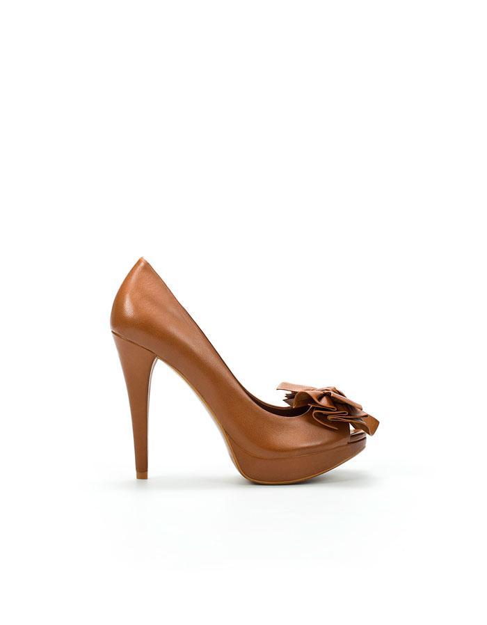 brązowe pantofle ZARA na wysokim obcasie - wiosenna kolekcja