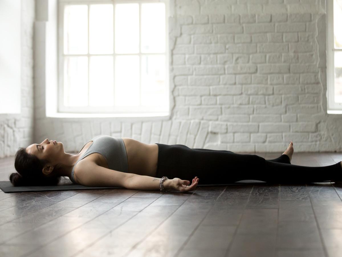 Pozycja nieboszczyka joga