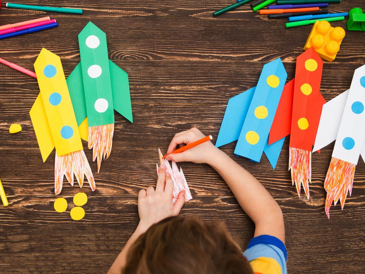 Praca plastyczna - Dzień Dziecka w kosmosie
