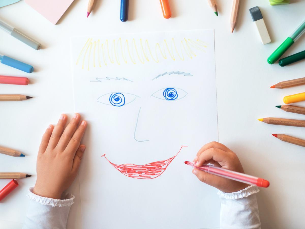 Praca plastyczna na Dzień Dziecka - autoportret