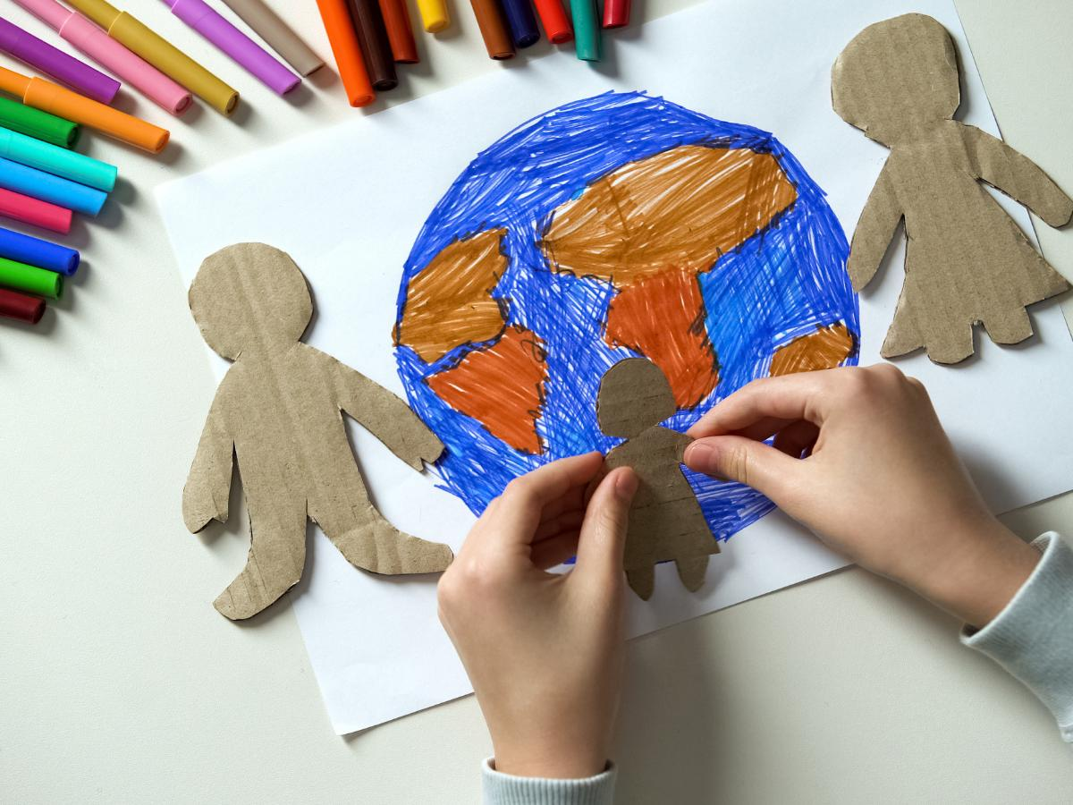Ziemia z kartonu - praca na Dzień Ziemi
