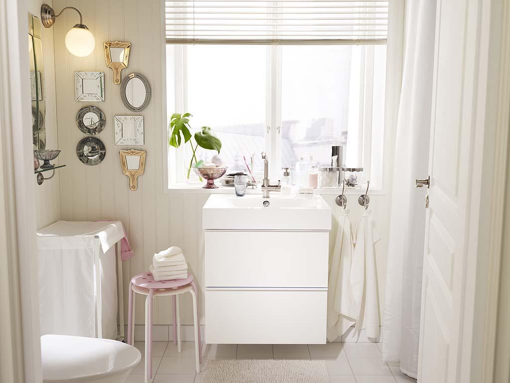 Biała łazienka W Stylu Skandynawskim Ikea 2012 Praktyczne