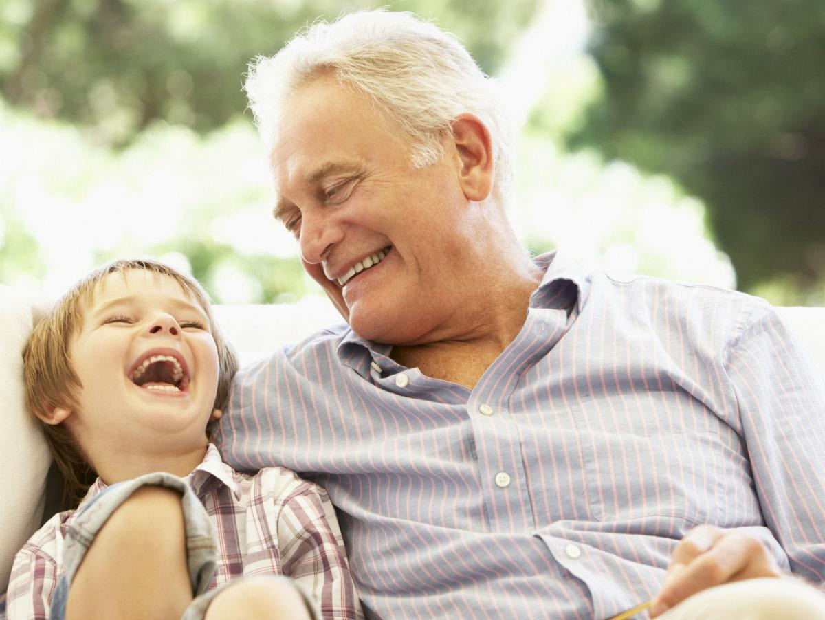 Praktyczne i zabawne prezenty dla dziadka